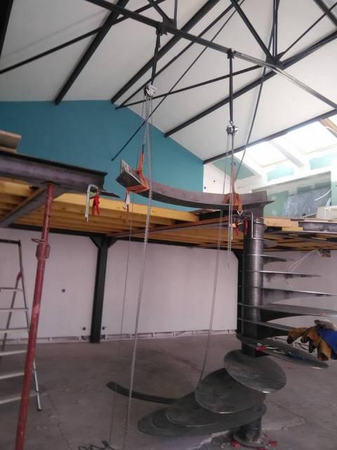 Conception et pose d\'une mezzanine en acier - Freestyle Forge