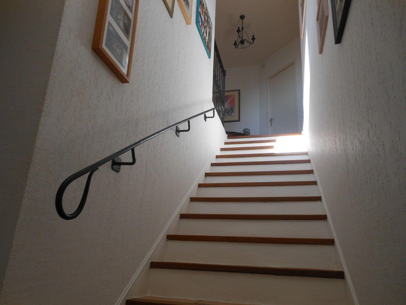 rampe d 39 escalier en fer forg aix en provence 13. Black Bedroom Furniture Sets. Home Design Ideas