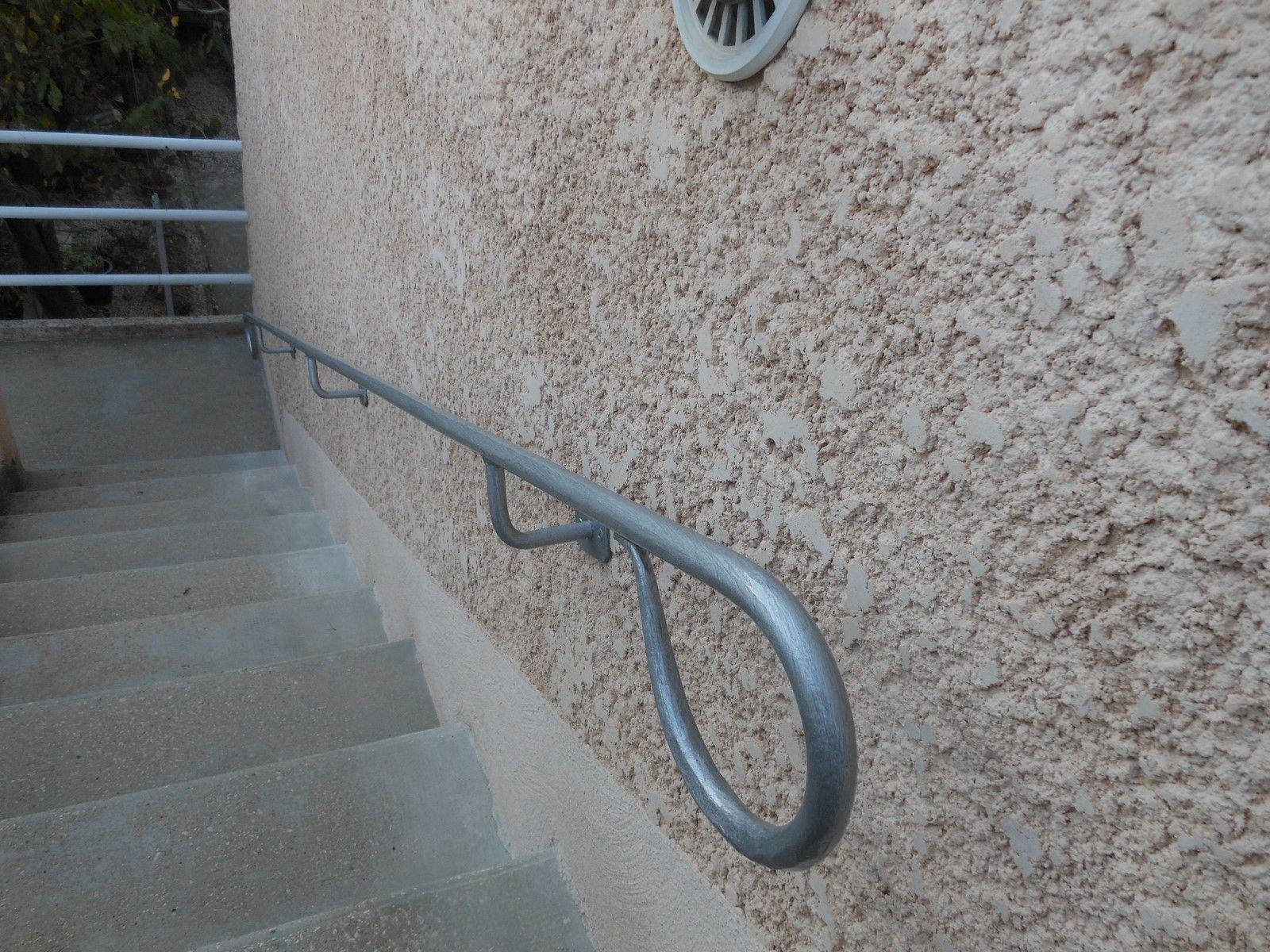Main Courante Sur Mesure Pour Escalier Exterieur A Salon De Provence