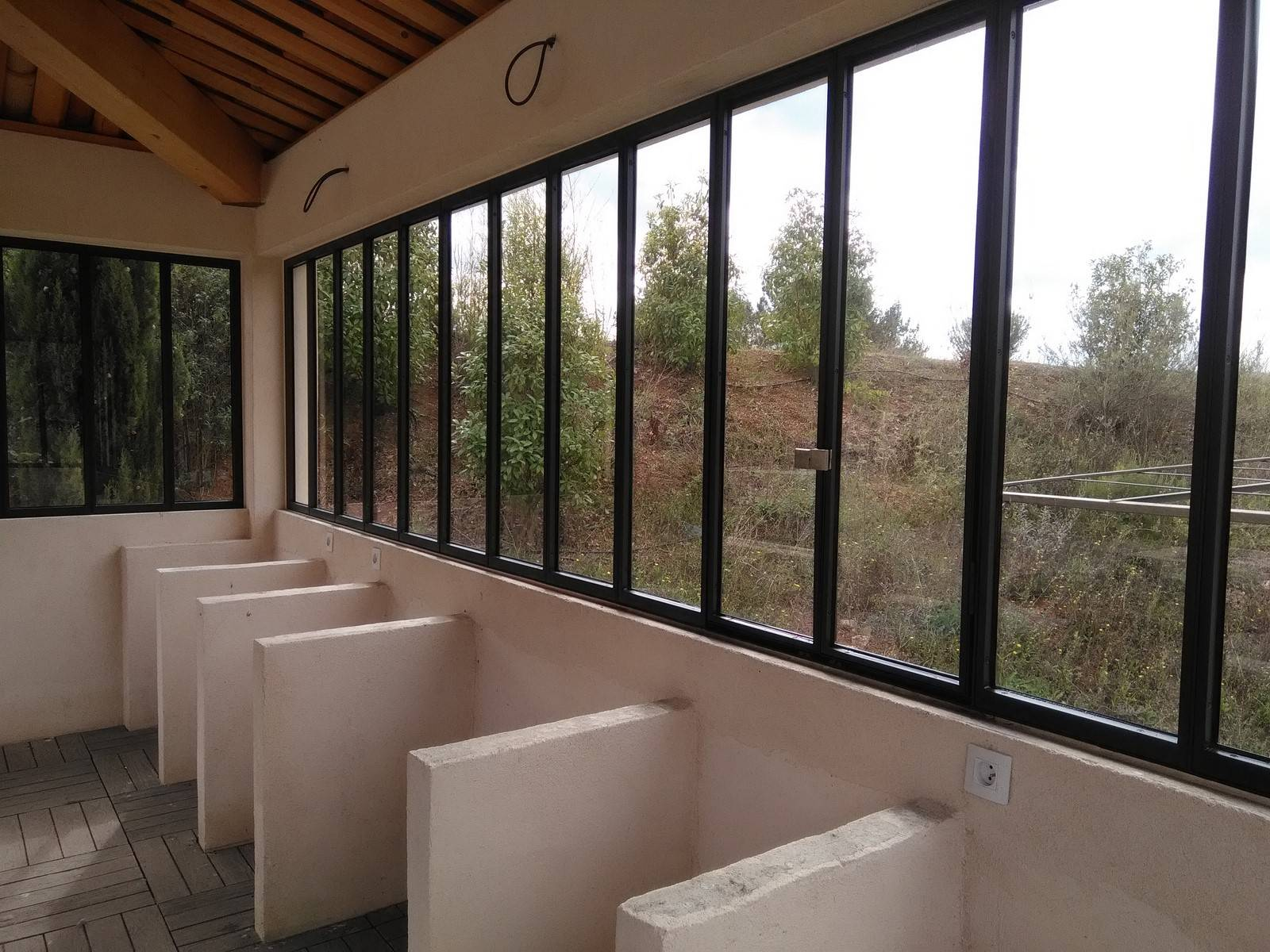 Verri re pour une cuisine d 39 t meyreuil 13 freestyle forge - Verriere pour piscine ...