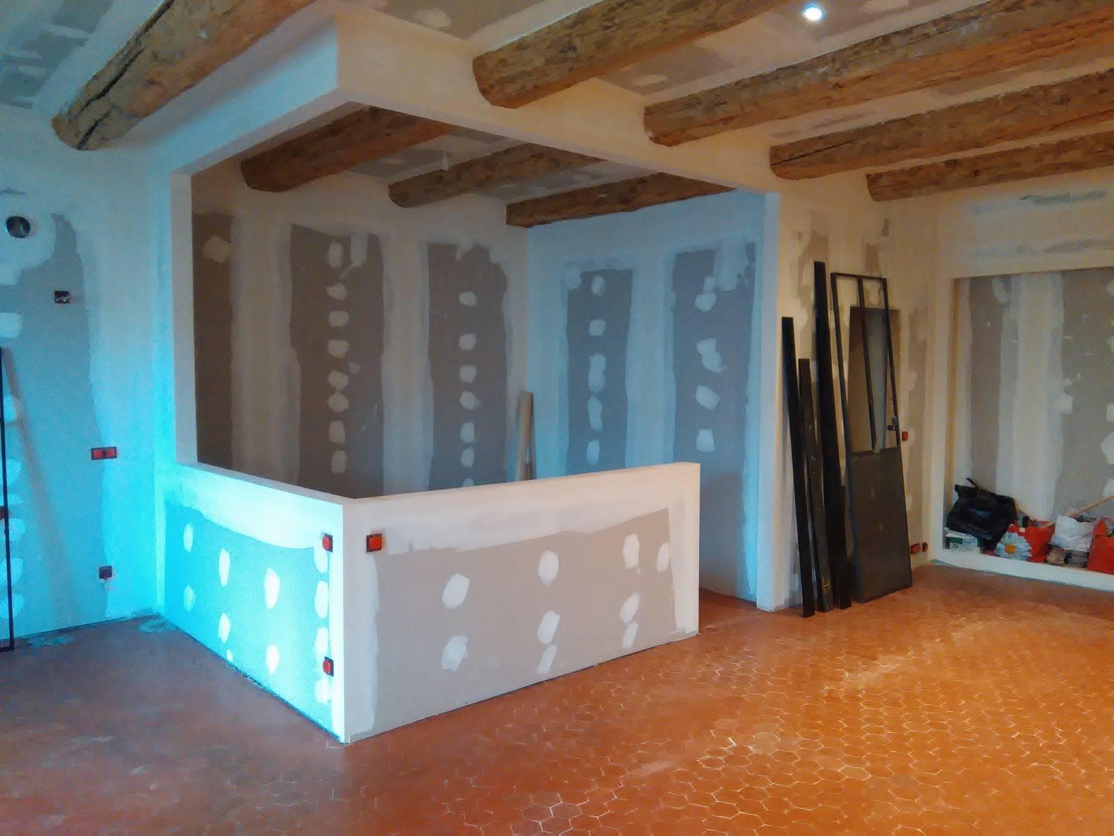 verri re sur mesure en acier style atelier avec porte marseille vieux port 13001. Black Bedroom Furniture Sets. Home Design Ideas