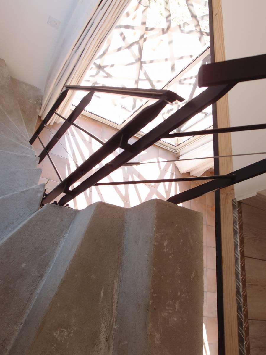 r alisation d 39 une rampe d 39 escalier marseille 13 freestyle forge. Black Bedroom Furniture Sets. Home Design Ideas